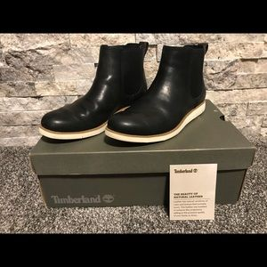 Timberland Women leather boot. Size 7